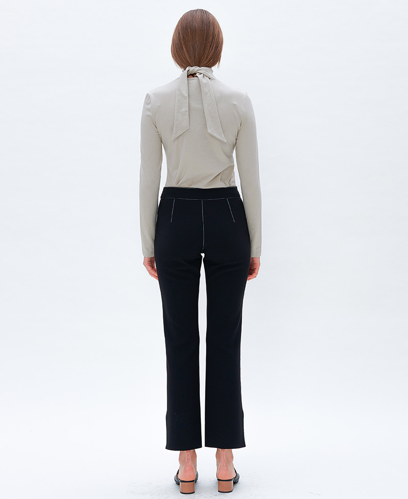 렉시스 (LEXIS)_RIBBON TIE TURTLE NECK [GRAYISH BEIGE]